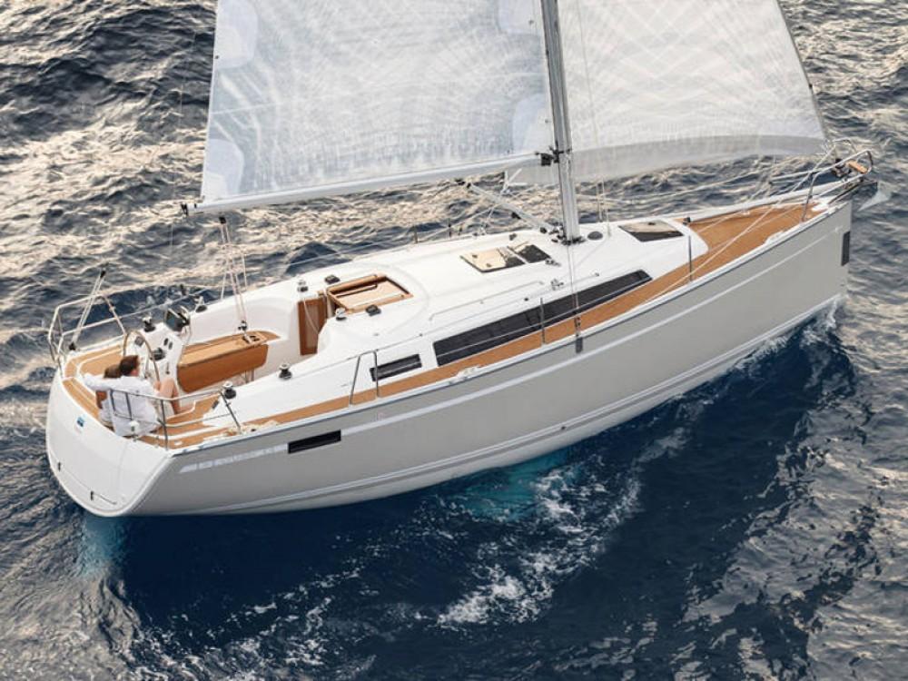 Bavaria Bavaria Cruiser 33 between personal and professional De Fryske Marren