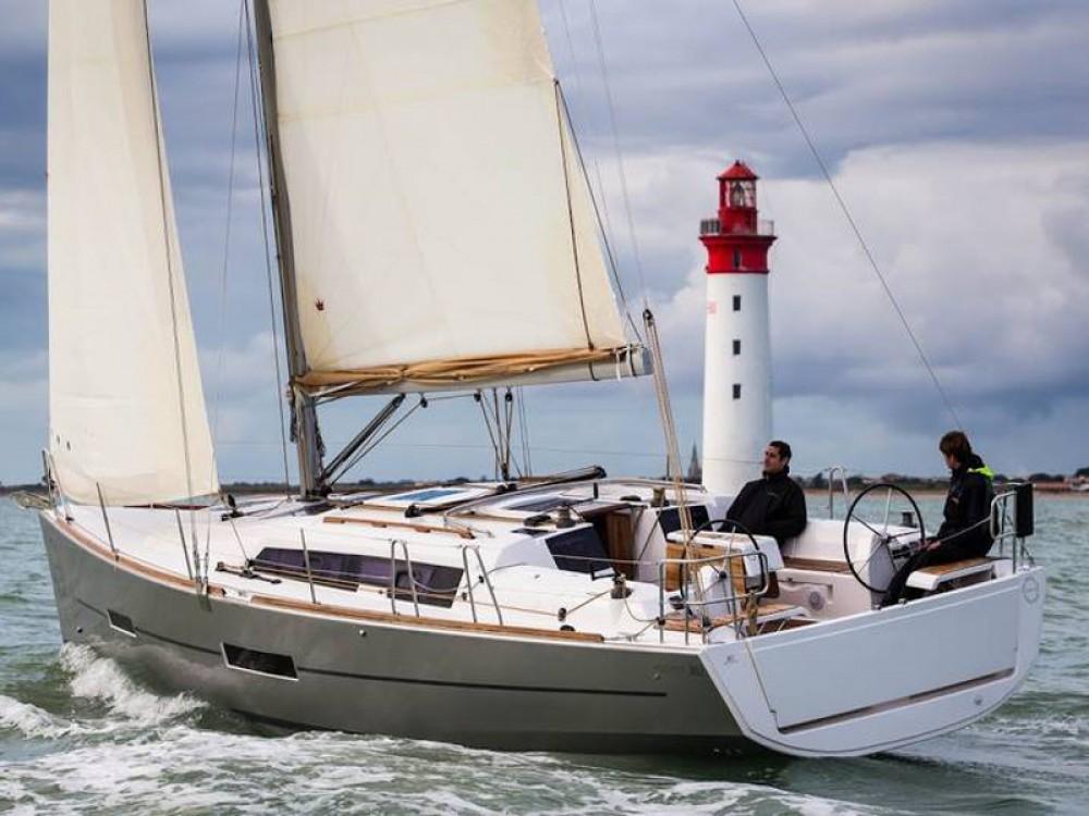 Location yacht à De Fryske Marren - Dufour Dufour 382 Grand Large sur SamBoat