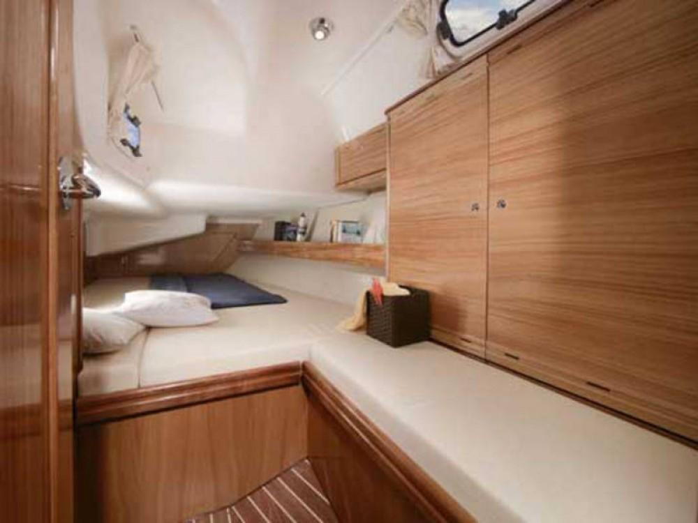 Boat rental De Fryske Marren cheap Bavaria Cruiser 40