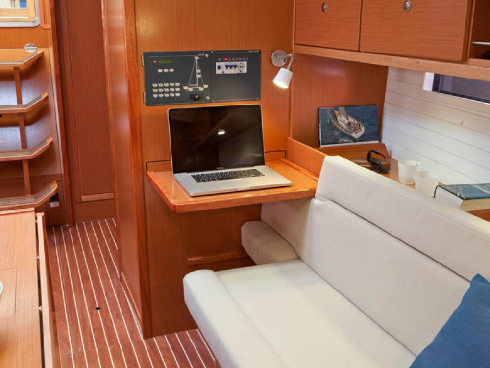 Rental Sailboat in Marina Naviera Balear - Bavaria Bavaria Cruiser 36