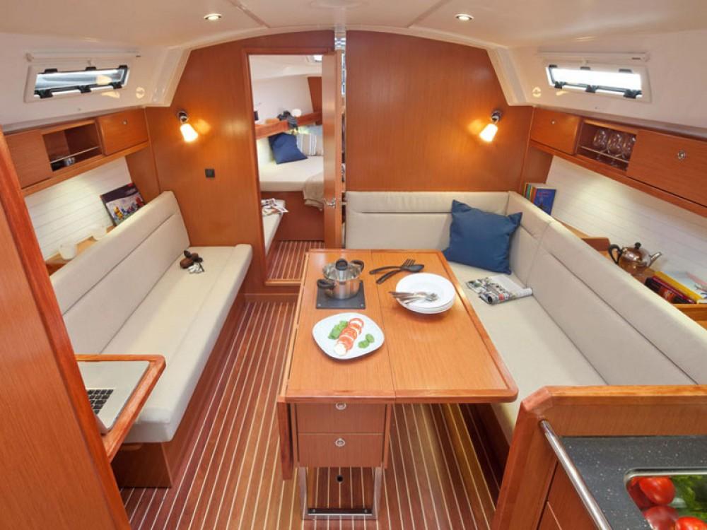 Boat rental Bavaria Bavaria Cruiser 36  in Marina Naviera Balear on Samboat
