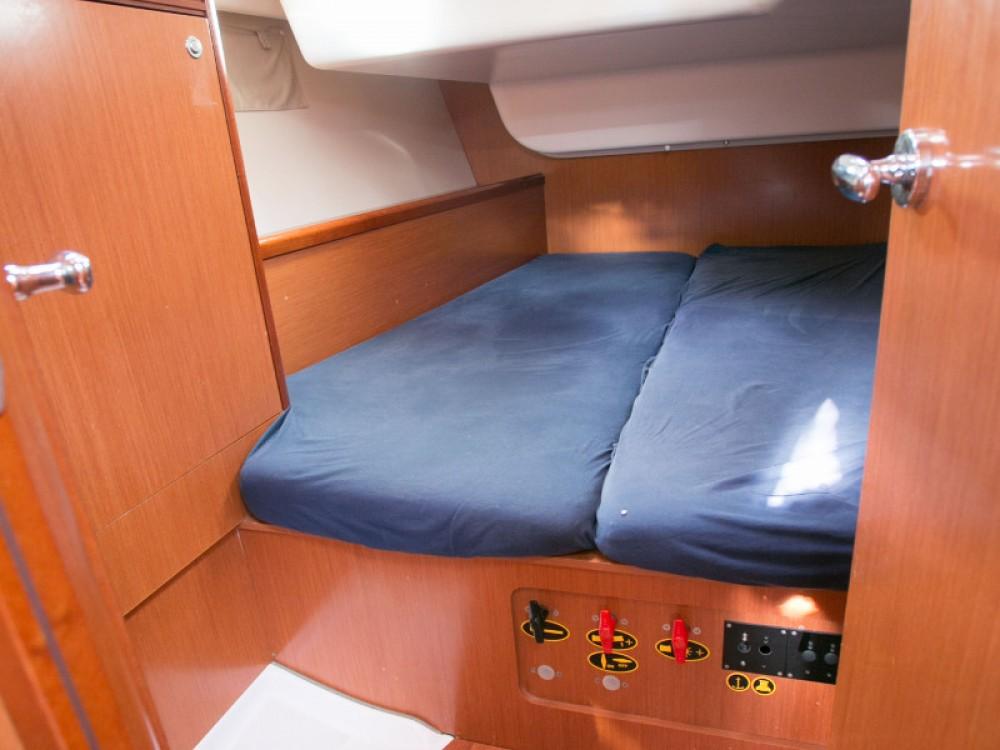 Location bateau Bénéteau Oceanis 43 à Piombino sur Samboat