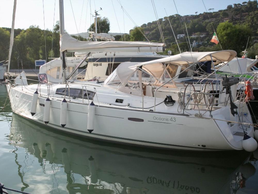 Louez un Bénéteau Oceanis 43 à Piombino