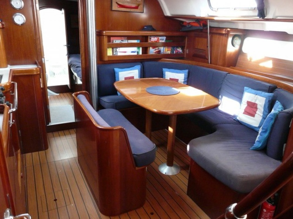 Rental yacht Marseille - Bénéteau Oceanis 411 on SamBoat