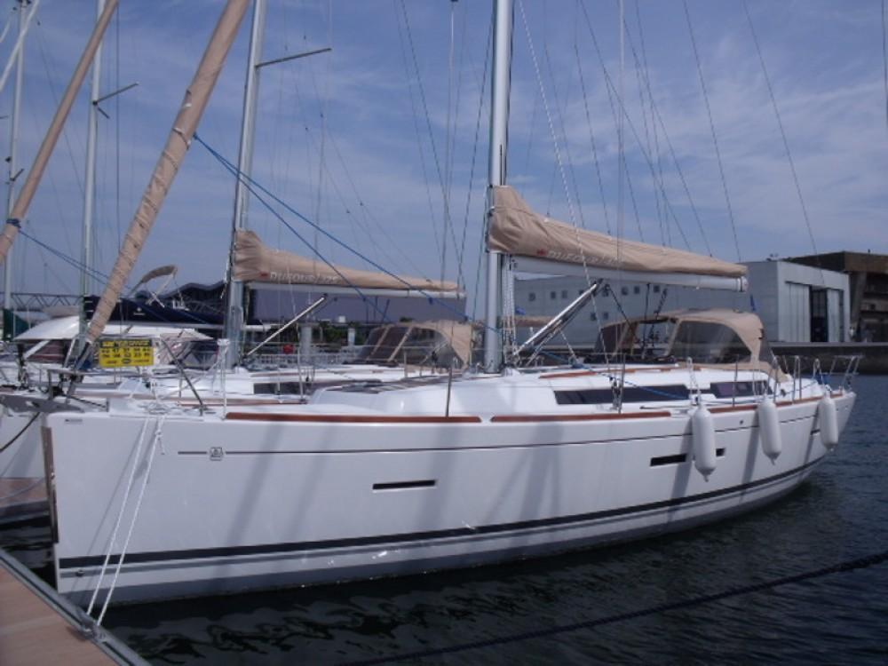 Rental Sailboat in San Vincenzo - Dufour Dufour 405 GL