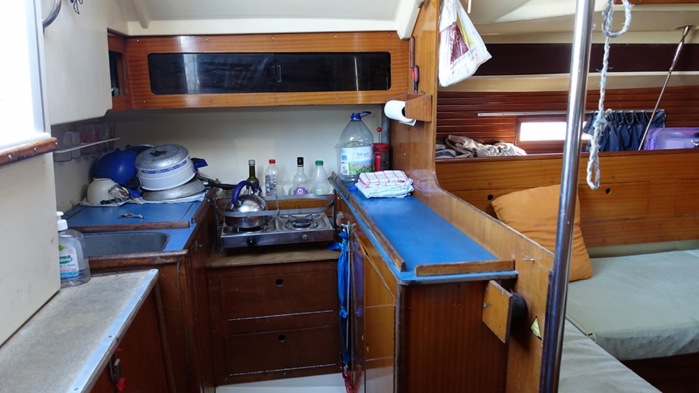 Sailboat for rent Leucate at the best price