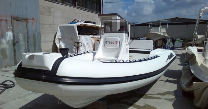 Louer Semi-rigide avec ou sans skipper Gommone Seapower à Milazzo