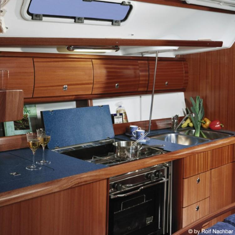 Boat rental Bavaria Bavaria 38 in Dieppe on Samboat