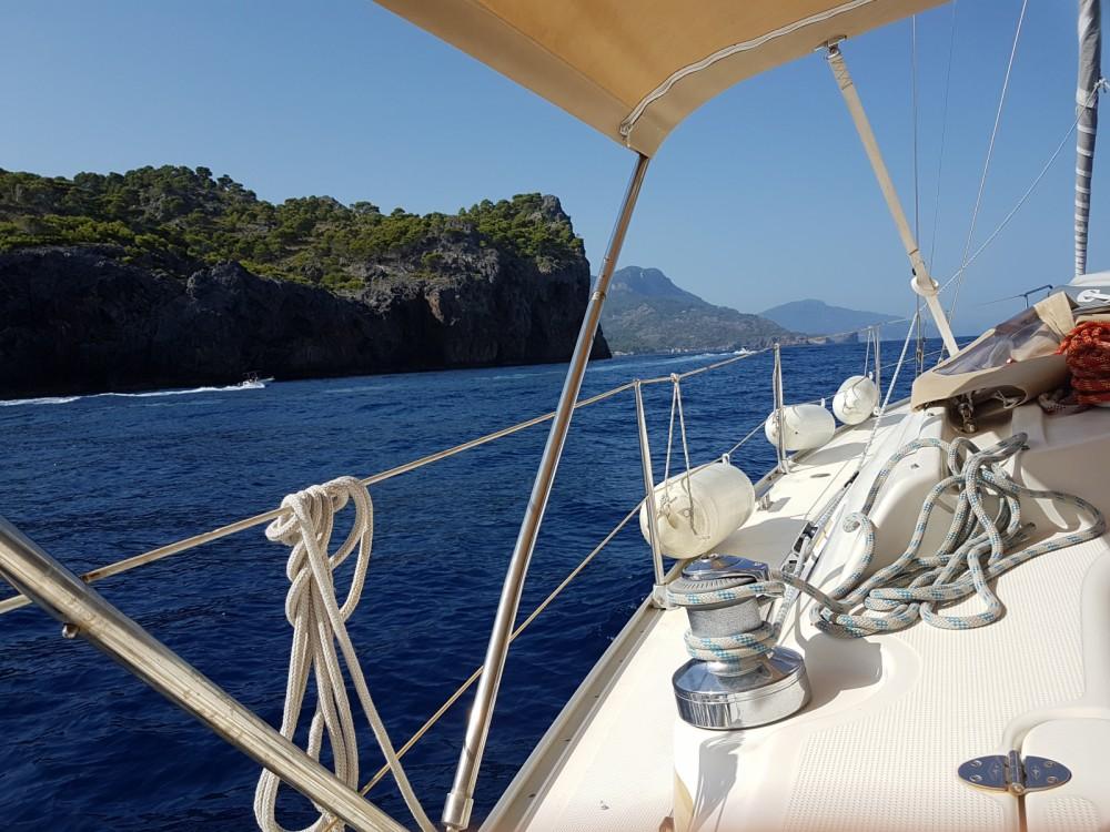 Boat rental Bavaria 39 Cruiser in Canet-en-Roussillon on Samboat