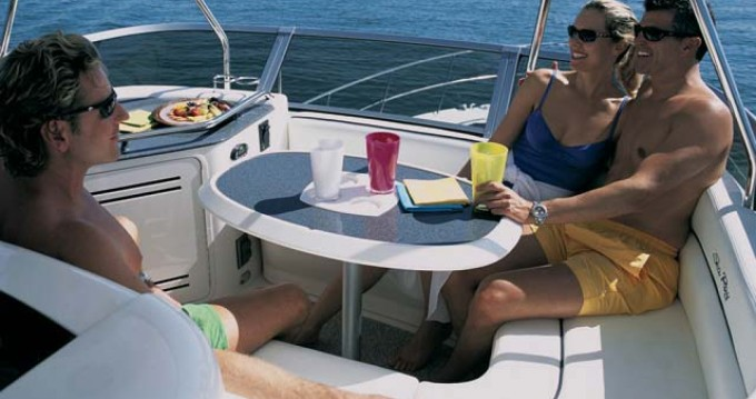 Hire Yacht with or without skipper Sea Ray Puerto Banus Marbella.