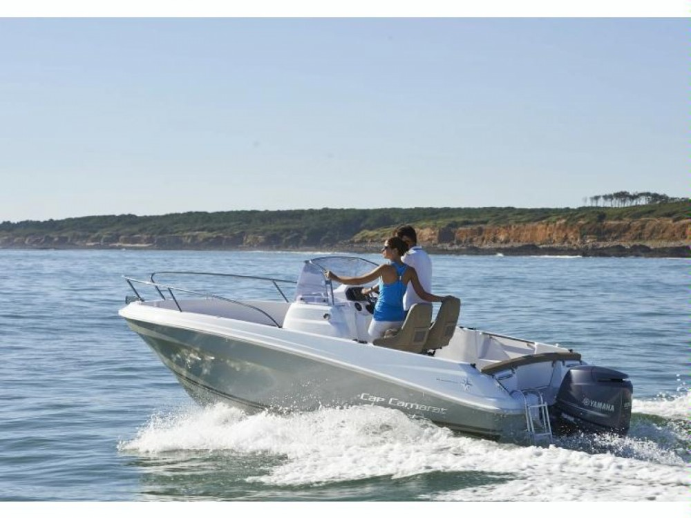 Alquiler de yate  - Jeanneau Cap Camarat 5.5 CC Serie 2 en SamBoat