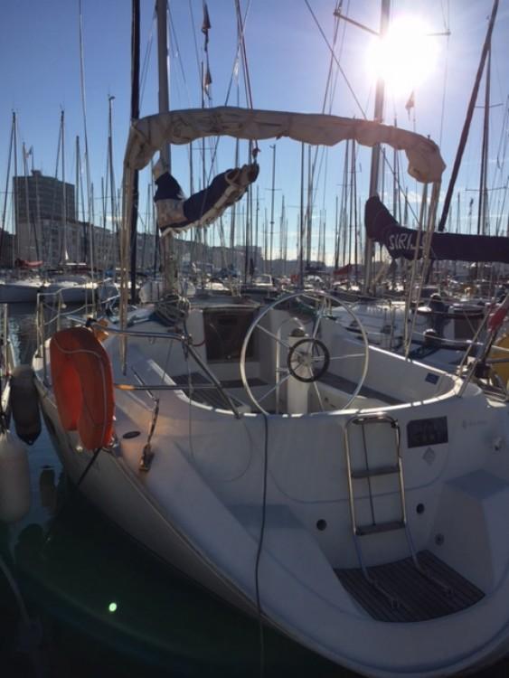 Rent a Jeanneau Sun Odyssey 33 Marseille