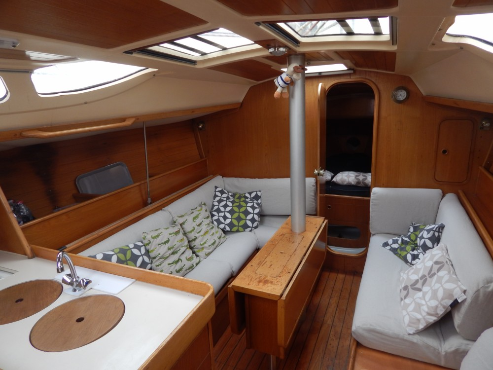 Alquiler de barcos Locmiquélic barato de Oceanis 350