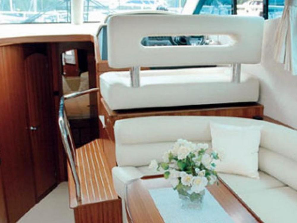 Boat rental Galeon Galeon 390 Fly in Marina Pirovac on Samboat