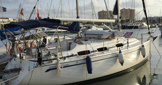 Louez un Bavaria Cruiser 30 à Puerto Deportivo Tomás Maestre