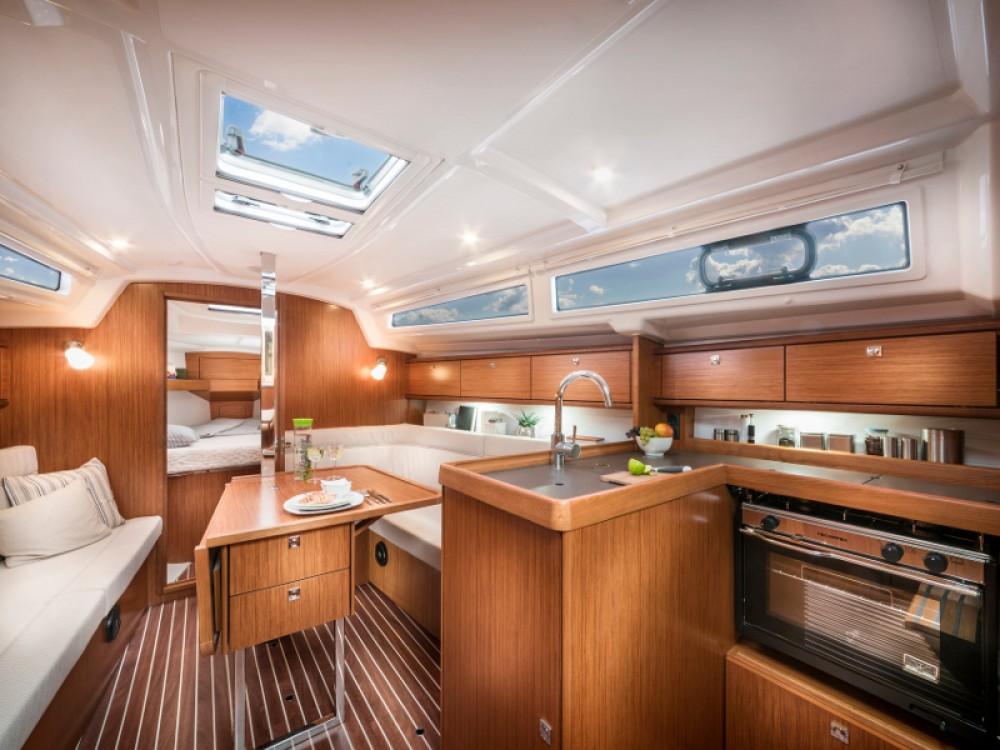 Louez un Bavaria Cruiser 34 à Puerto Deportivo Tomás Maestre