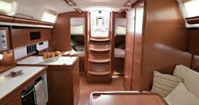 Location bateau Hyères pas cher Dufour 375 Grand Large