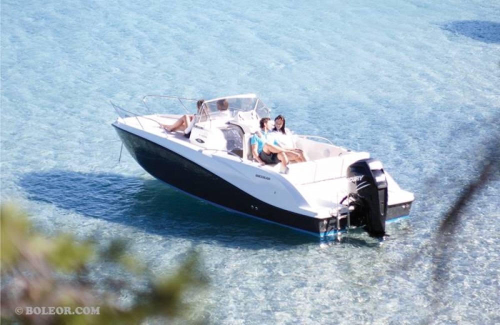 Quicksilver Activ 605 Sundeck between personal and professional Palma