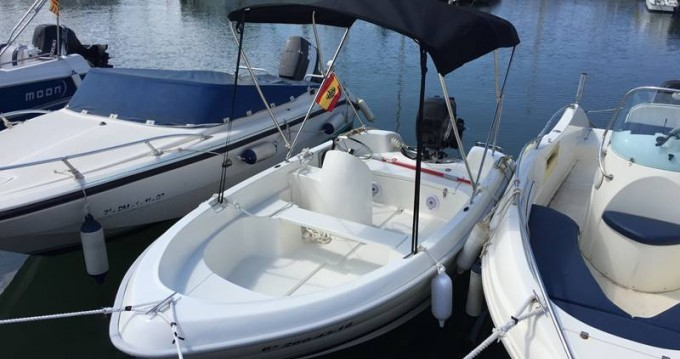 Ein Quicksilver B410 'Tethys' (without licence) mieten in Palma
