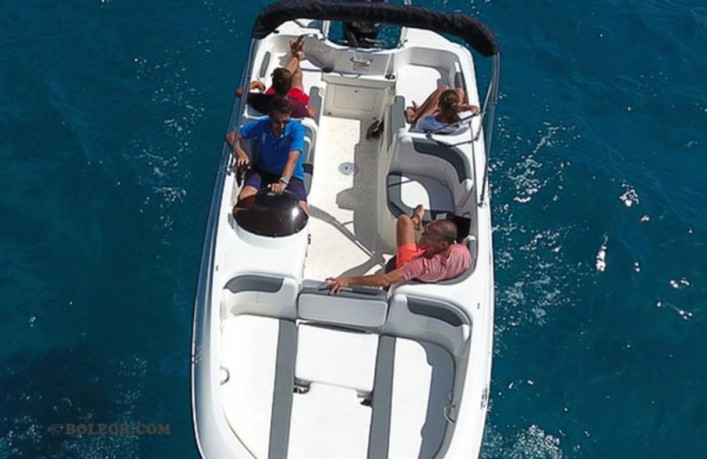 Louer Bateau à moteur avec ou sans skipper Bayliner à Palma