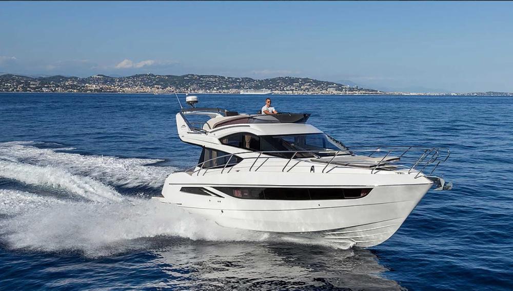 Louer Bateau à moteur avec ou sans skipper Galeon à Cannes
