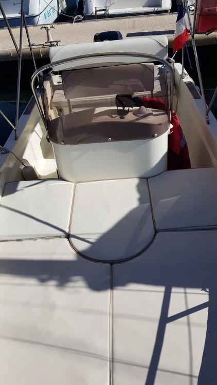 Barca a motore a noleggio Antibes al miglior prezzo