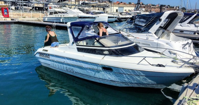 Location bateau Marseille pas cher Leader 655
