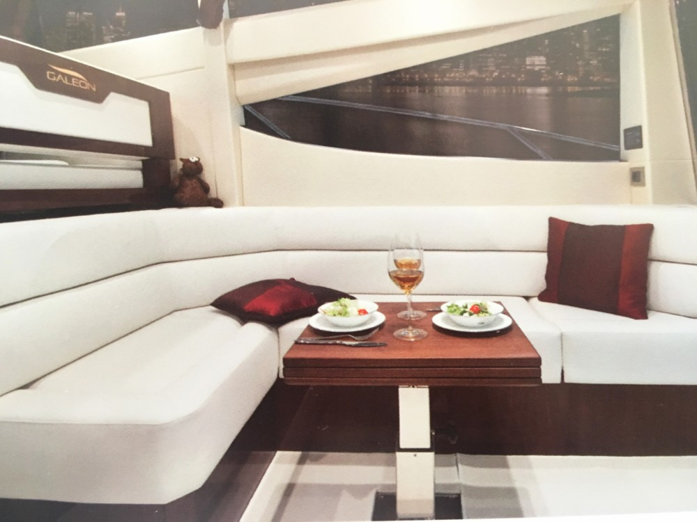 Location bateau Galeon Galeon 380 Fly à Cannes sur Samboat
