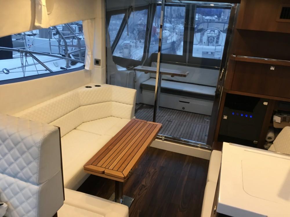 Location bateau Cannes pas cher Galeon 380 Fly