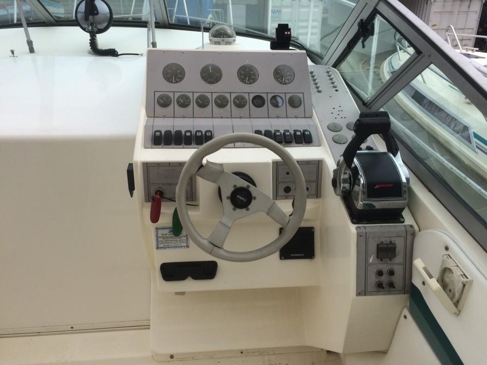 Louez un Cruiser Yachts Modem 2870 rogue  à Mandelieu-la-Napoule