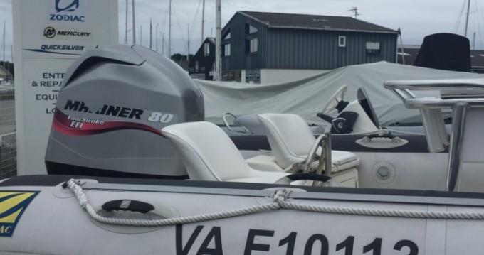 Location bateau Zodiac Pro 550 à Séné sur Samboat