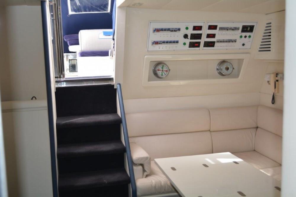 Louer Bateau à moteur avec ou sans skipper Mondo Marine à Porto-Vecchio