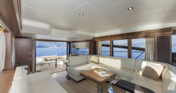 Location bateau Barcelone pas cher Absolute 52 Fly