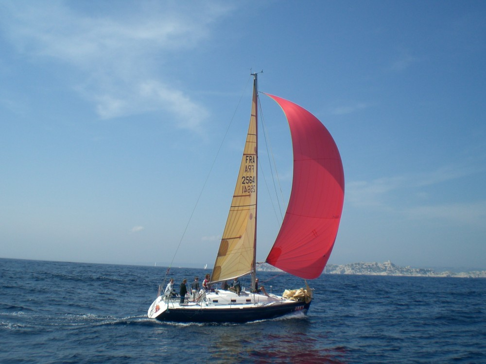 Location bateau Bénéteau First 31.7 à La Seyne-sur-Mer sur Samboat