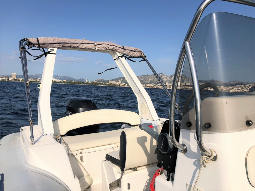 Boat rental Capelli Tempest 625 in Marseille on Samboat