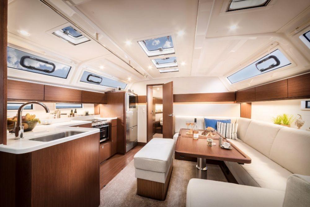 Bavaria Cruiser 46 between personal and professional Pirovac