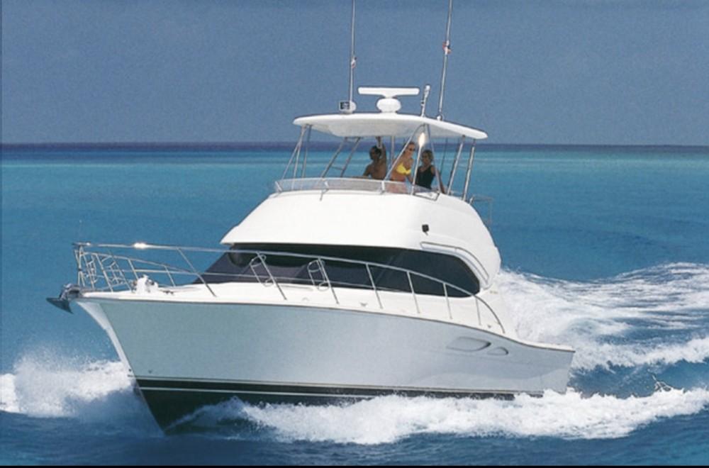 Noleggio Barca a motore con o senza skipper Riviera Napoli