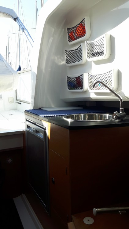 Boat rental Jeanneau Cap Camarat 7.5 WA in Cogolin on Samboat