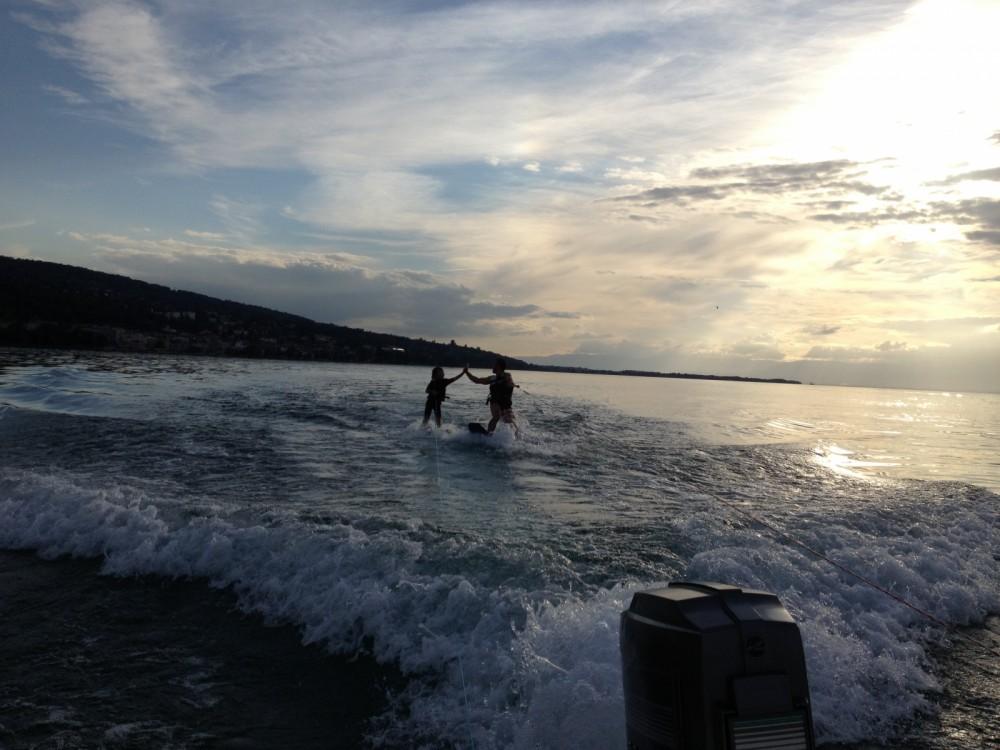 Sea Ray Sea Ray 160 CB entre particuliers et professionnel à Évian-les-Bains