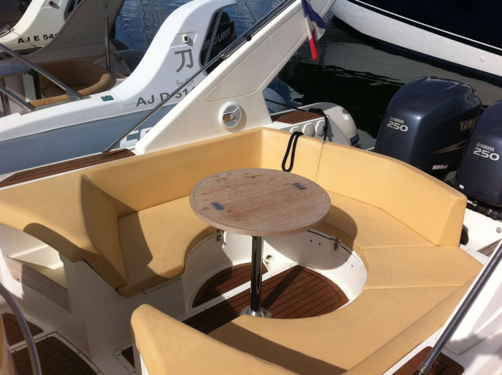 Alquiler de barcos Capelli Tempest 1000 enPorto-Vecchio en Samboat