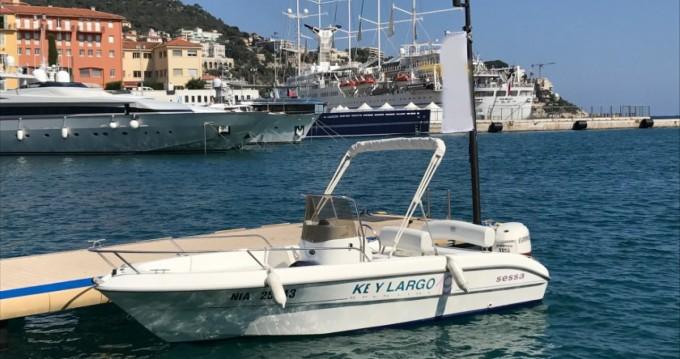 Bateau à moteur à louer à Nice au meilleur prix