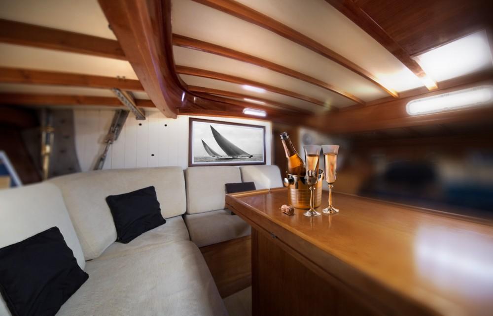 H2O Yachts Mister Fip's entre particuliers et professionnel à Marseille