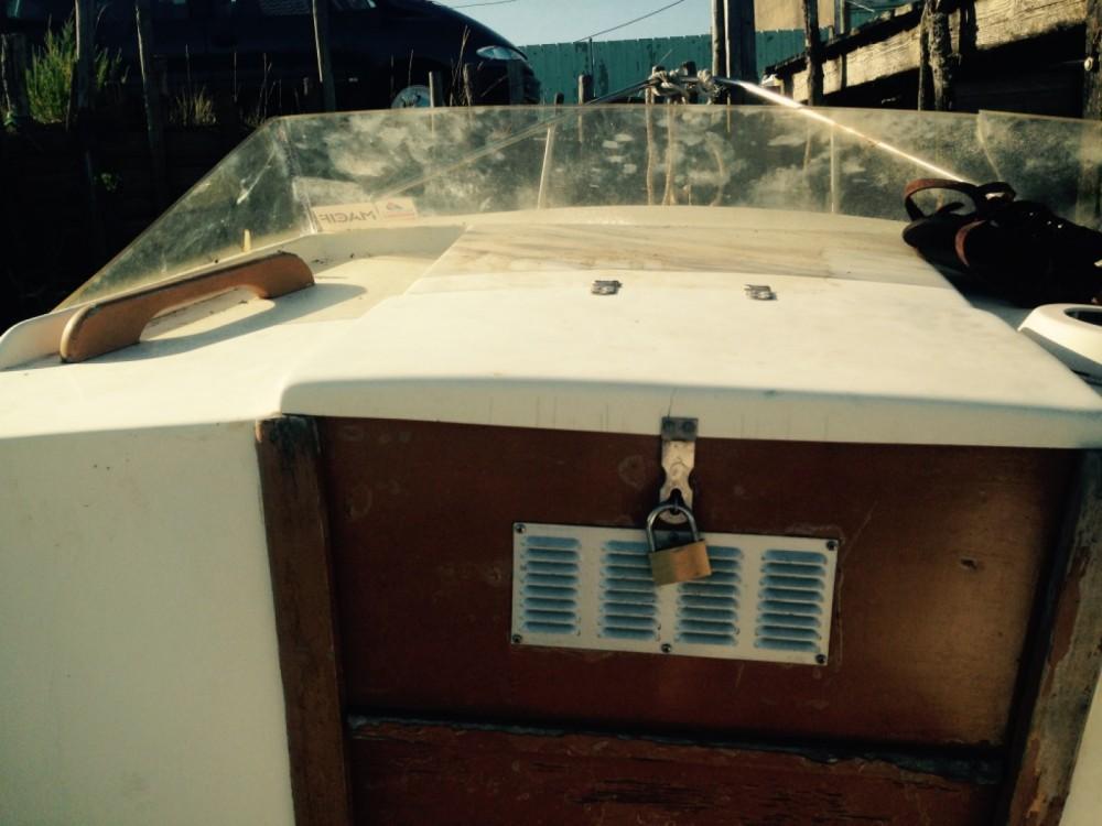 Bateau à moteur à louer à Chatressac au meilleur prix