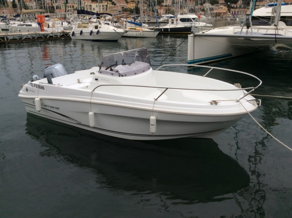 Hire Motor boat with or without skipper Jeanneau Saint-Mandrier-sur-Mer