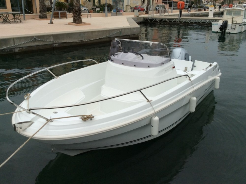 Motor boat for rent Saint-Mandrier-sur-Mer at the best price