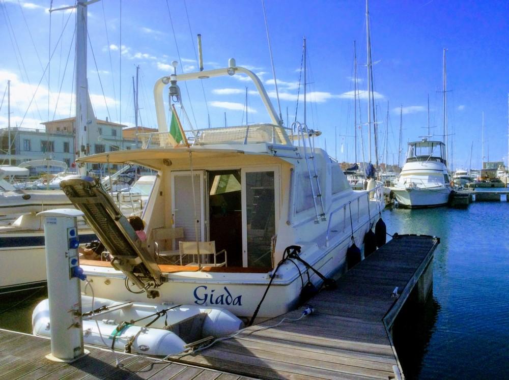 Noleggio Barca a motore con o senza skipper Raffaelli San Vincenzo
