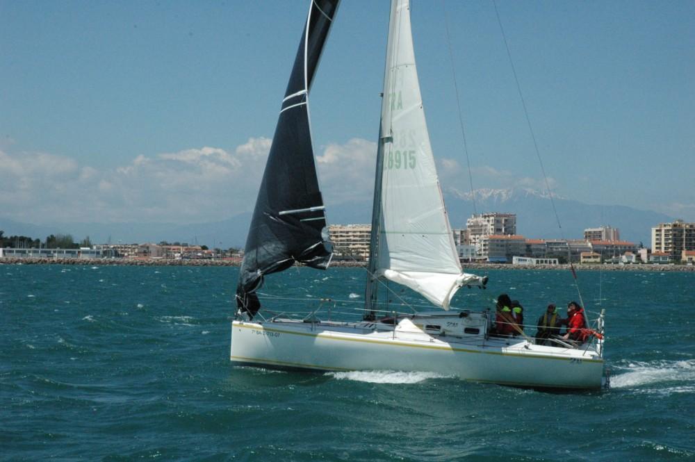Location bateau Saint-Cyprien pas cher Pogo 8.50
