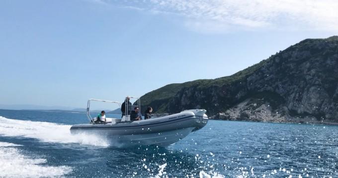 Louer Semi-rigide avec ou sans skipper Mondial Marine à Lefkada (Île)