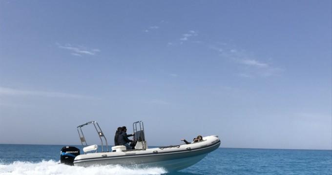 Semi-rigide à louer à Lefkada (Île) au meilleur prix