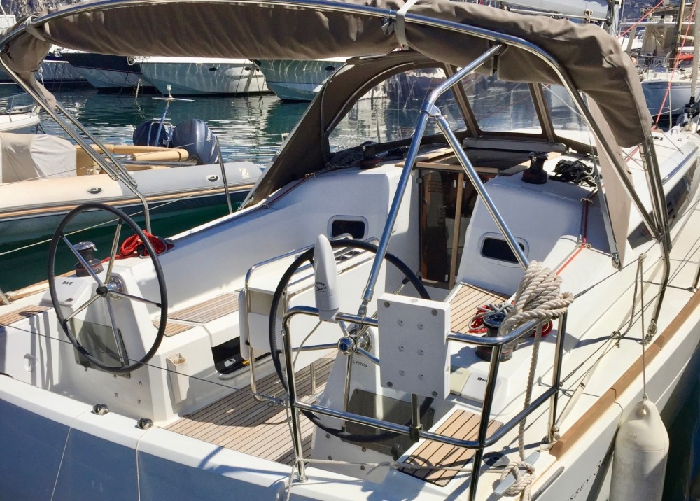 Jeanneau Sun Odyssey 349 between personal and professional Saint-Jean-Cap-Ferrat